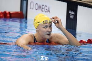 Sarah Sjöström är i semifinal på 100 fritt och i final med lagkappslaget på 4x200 fritt.