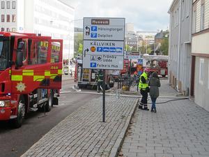 Lägenhetsbranden inträffade i en fastighet i korsningen Gruvgatan/Myntgatan i centrala Falun. Foto: Roland Engvall