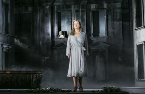 Annlouice Lögdlund får Operapriset för sina insatser i uppsättningen av Die tote Stadt på Wermlands Opera.