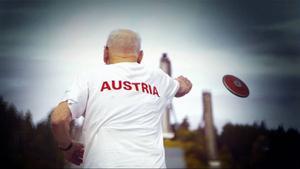 """Dokumentären """"Seniorer på elitnivå"""" följer fem deltagare inför veteran-VM i friidrott. Alla har målet att vinna guldmedalj och med inställningen: Vila kan man göra i graven!"""