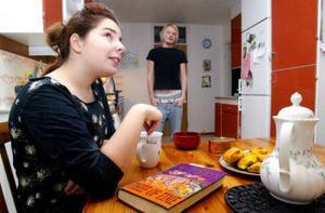 Frida Hådén var lite tveksam till kompisboendet. Men att dela lägenhet med Staffa Remes och systern Linnea gick mycket bättre än hon trodde.