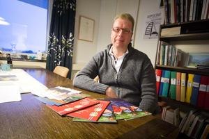 Kontaktpolitiker. Teemu Sulin, V, har utsetts till kontaktpolitiker för det finska förvaltningsområdet i Fagersta kommun.