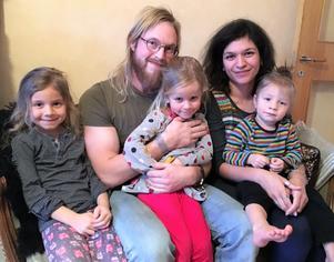 Familjen Beya-Brand, med Jonathan och Sara, samt barnen Tangi, Iris och Lo har bosatt sig i Vansbro.