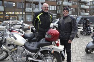 Tradition. Martin Flyckt och Bo-Göran Andersson tycker att det är tradition att åka mc på valborg.