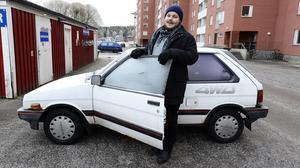 Det var den här gamla Subarun som Nils Jangen i Nacksta annonserade ut till försäljning. Texten i annonsen har fått arbetsgivare runt om i landet att skrika: