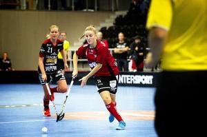 Med tre mål var Veronica Engström en av förgrundsfigurerna när ÖIB tog säsongens andra seger – och första trepoängare – i division 1 norra.