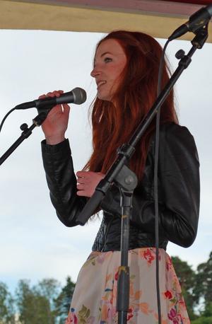 Leksandsartisten Malin Olson sjöng sin egen låt A little piece of me.