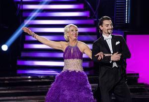 Pia Johansson med danspartnern Marc Christensen i det andra avsnittet av teveprogrammet Let's dance. Arkivbild.
