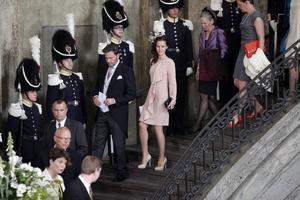 22 maj 2012: Chris O'Neill och Sofia Hellqvist lämnar prinsessan Estelles dopceremoni i Slottskyrkan.