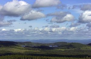 Finnskogen. Utsikt från Pennamackberget mot lilla och stora Öjungen.