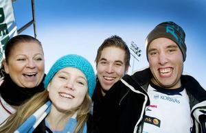 De hängivna GIF-fansen. Fr v Bonita Karlsson, Tova Karlsson, Eric Stefansson och Per Linderdahl.