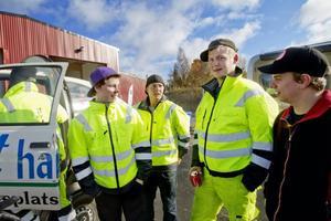 """... """"Det var en riktig häftig känsla och nu vet vi att bilbältet är räddningen"""", säger Hannes Holm Lindström, Tobias Olsson, Jesper Jonsson och Daniel Westerberg fyra transportelever som vågade prova"""