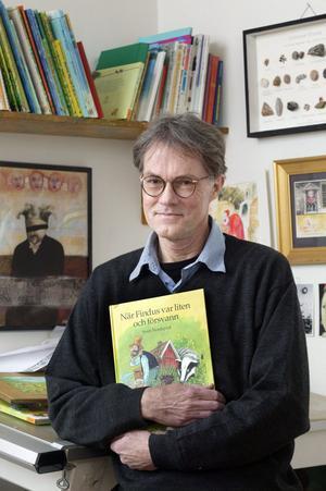 """Sven Nordqvist är tillbaka med en ny bok om Pettson och Findus: """"Findus flyttar ut""""."""