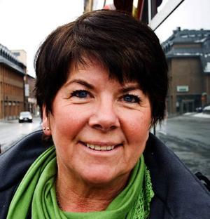 Monica  Göthesson, 59, Brunflo:– Ja, det gjorde vi. Vi släckte allt utom tv:n. Vi ville hjälpa till.