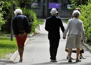 Över 80 procent av vårdkostnaderna beräknas vara relaterade till kroniska sjukdomar, som främst drabbar äldre människor. Och de äldre i Västernorrland blir allt fler, konstaterar insändarskribenterna.