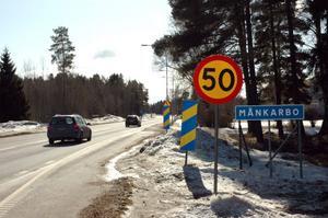 SMIDIGARE. Månkarbo Företagsklubb menar att en åtgärd för att ge smidigare trafik i samhället är att införa väjningsplikt i stället för stopplikt  i korsningar. Detta då nya E 4 radikalt har minskat trafiken i samhället.