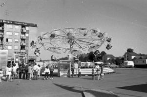 Karuseller och surströmming var populärt på Strömmingsleken 1969. Sammanlagt förtärdes 2 600 portioner surströmming under helgen.