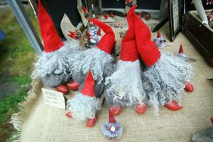 Tomtar av all dess slag fanns det på julmarknaden.