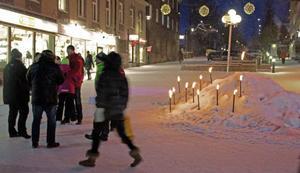 En ljusmanifestation för de människor som under 2013 dog på sina arbetsplatser.