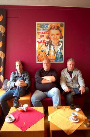 """Roger Sannemo, Jerker Östlund och Jon-Henric Andersson, som sitter i dunderkommittén, ser fram emot Dundermarknan.  """"Nu hoppas vi på bra väder"""", säger de.  Foto: Jonas Ottosson"""