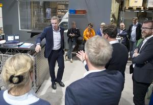 Mats Hedenström är näringspolitisk chef på Svensk handel och han anser att hela frågan andas misstro.