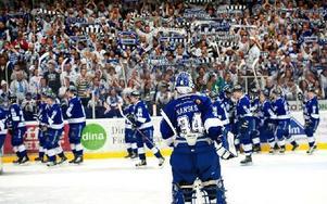Så här såg det ut i Tegera arena i våras när Leksand tog klivet upp i SHL. Går det nya förslaget igenom kommer det dock att bli mycket svårare för de allsvenska klubbarna att ta klivet upp i SHL. Foto: Klockar Mattias Nääs/DT