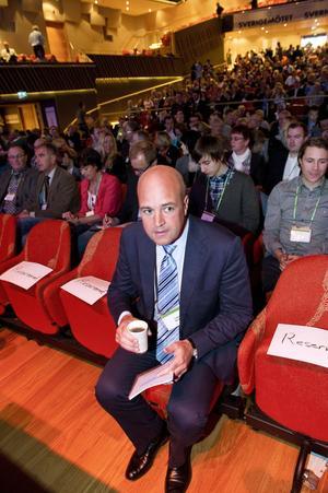 Mer utsatt. Statsminister Fredrik Reinfeldt under Moderaternas rikskonferens. Regeringen som helhet tappar i opinionsmätningarna.