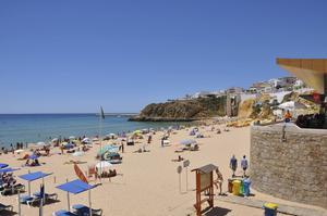 Praia do Túnel, citystrand i Albufeira på Algarvekusten.    Foto: Apollo