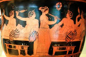 Finns Dokumenterat.  På många antika fat och kärl finns bilder på kottabos-spel. Tävlingen som skapades av grekerna och hade sin storhetstid i södra Italien från 600 till 300 år före kristus.