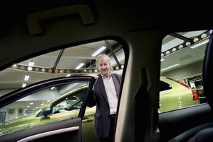 """övertygad. """"Det vore väldigt konstigt om ingen vill ta hand om Volvo"""", säger Volvohandlaren Gösta Samuelsson om utsikterna att nya ägare tar över det anrika svenska bilmärket."""