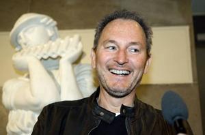 INVIGER. Bygdens son, Tomas Ledin, får äran att inviga Göransson Arena.