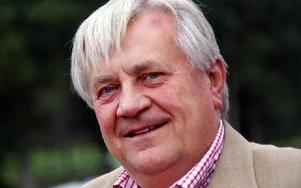 Dick Åhlén slutar med pension sista augusti, efter att ha varit VD för LudvikaHälsan åtta år och även för företagshälsovården i Hedemora i två decennier. Han har varit med och utrett förslaget om att nu bilda ett gemensamt bolag.