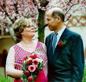Anneli Nyberg och Arne Nordin, Östersund, vigdes 16 maj i Hedbergska huset i Sundsvall. Bruden heter numera Nyberg Nordin.