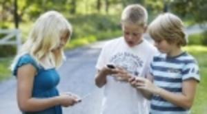 Mobilförbud på skolor föreslås