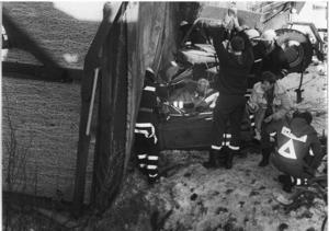 Lars pappa Börje fanns med under det långa arbetet med att skära loss Lars ur bilen.