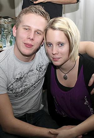 Pluto. Mattias och Angelica