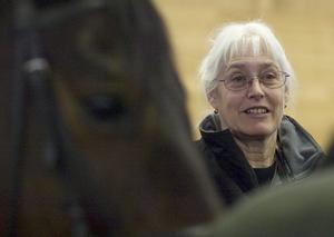 Unik metod. Läkaren Helen Edwards Lutsch utvecklade sin egen metod för terapeutisk ridning efter att själv ha fått borrelia. Hon tvingades ta hand om sin egen häst och upptäckte att ridningen var bra för att återfå rörligheten i kroppen.