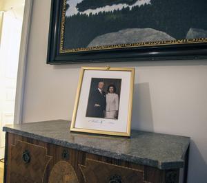 Statschefen och hans fru på plats.