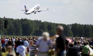 Mot London. Ryanairs avgång mot London blev på söndagen en del av Flygdagens program.