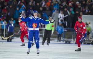 Finlands Ilari Moisala under finalen mellan Ryssland och Finland vid bandy-VM i ryska Uljanovsk.