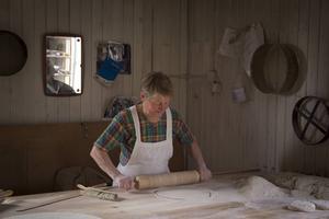 Gunvor Persson bakade mjukt tunnbröd.