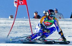 Markus Larsson var den ende svensken som lyckades ta sig till andra åket i gårdagens premiär.  Foto: PONTUS LUNDAHL / SCANPIX