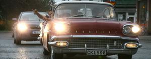 På torsdagskvällen åkte en lång rad av läckra bilar genom centrala Edsbyn.