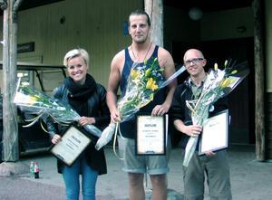 Säsongsarbetarna Josefin Einarsson, Christoffer Jansson och Eric Sundman blev i måndags utsedda till Furuviks Supernovor. Saknas på bilden gör Johannes Ungman, som även han vann.