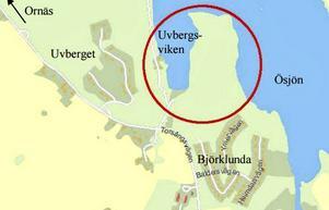 Boende i Asplunda är inte glada över planförslaget att bygga bostäder i Uvbergsviken.