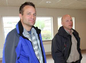 Mårten Suorra, idrottssamordnare i Krokoms kommun, och Anders Magnusson, lärare på Cederbergsskolan, är säkra på att allaktivitetshallen ger Föllinge en nytändning.