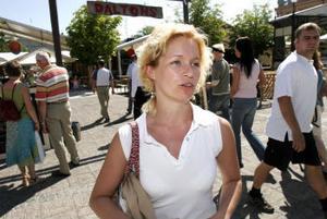 Lugn inför gatufesten. Fältassistenten Martina Söder i Sundsvall vet efter några år hur gruppens arbete ska läggas upp. I år får de hjälp från fyra andra kommuner.