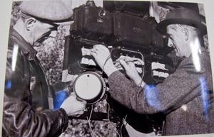 Otto Rundin och Evert Norin ute på jobb för Norins elektriska.