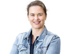 Hanna Wallsten, författare och journalist, skriver en mer lättläst version av Nya Testamentet.