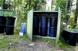 Kostnaden för att ta hand om latrin skjuter i höjden nästa år. Något som slår hårt mot 1500 fritidsboende i Sundsvall.